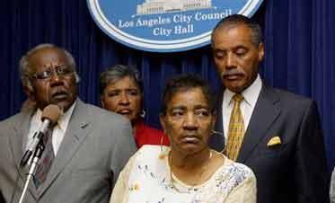 L.A. Police Hunt Serial Killer of 11