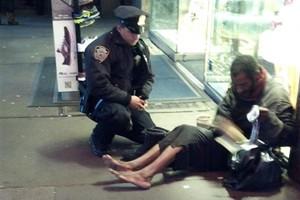 NYPD Officer's Kindness Sparks Online Sensation Image 1 Image 2 Image 3 Image 4