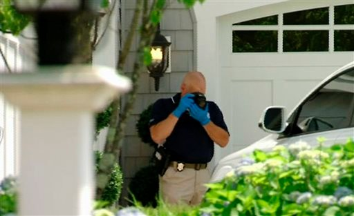 Police Search Again near Home of Pats' Hernandez