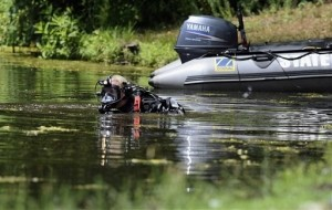 Police Search Lake in Hernandez's Connecticut Hometown