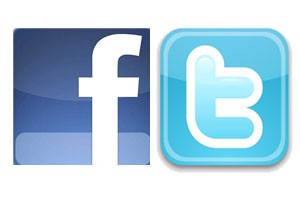 Social Media Quick Tip: Should You Tie Your Facebook & Twitter Accounts Together? Image 1  Image 2  Image 3  Image 4