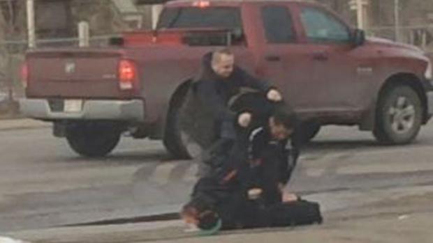 Good Samaritan Helps Police Officer