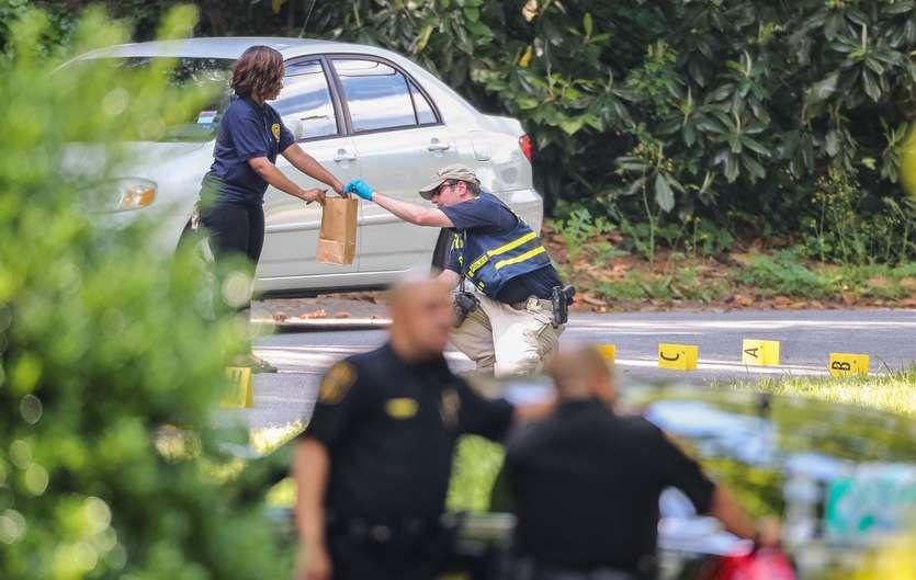 Georgia Officer Shoots Man Wielding Machete and Live Chicken