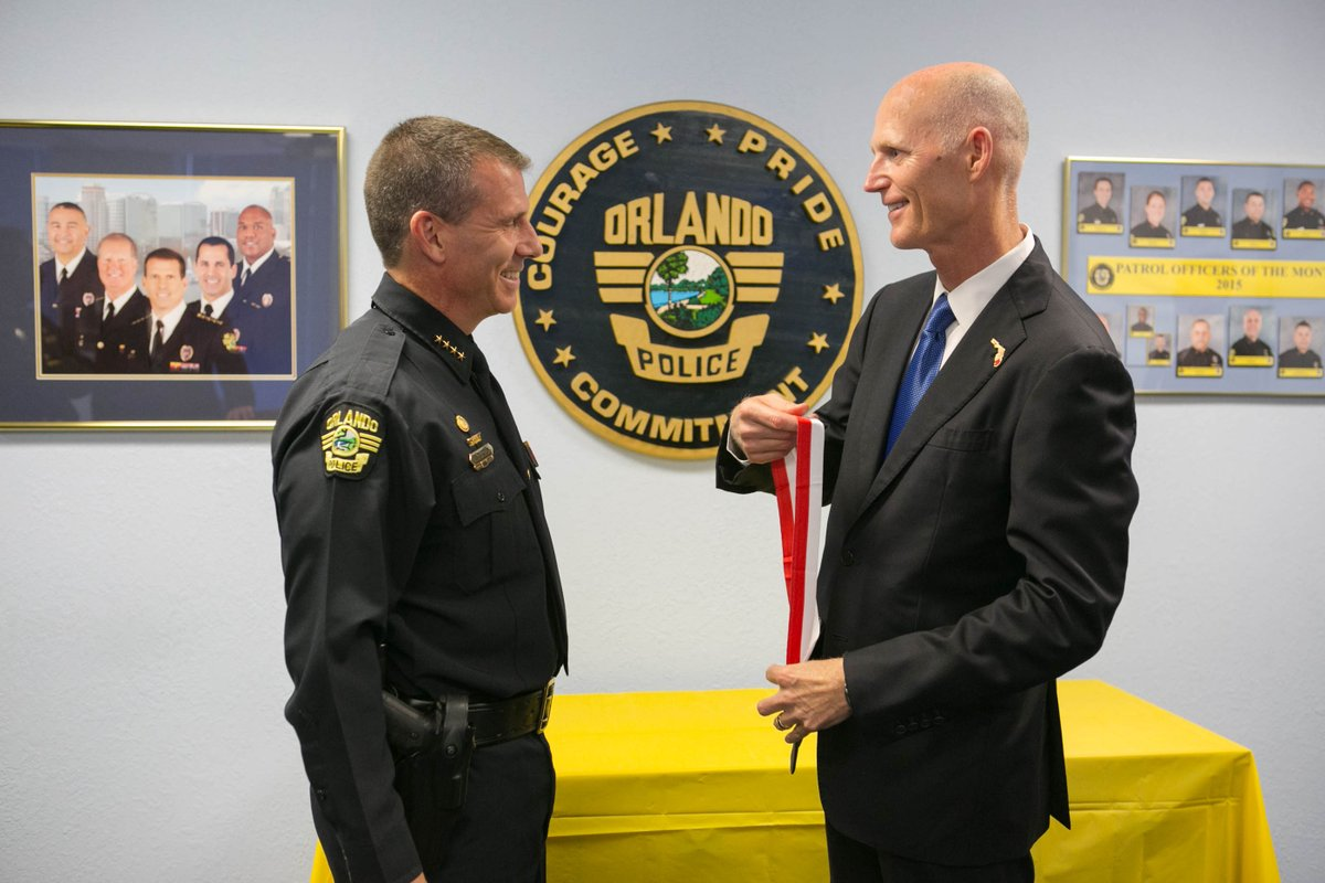 Florida Governor Presents Medals of Heroism To Orlando Area Law Enforcement