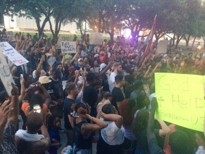 This photo of the Rally was posted by @DallasPD just minutes before the shooting.