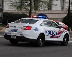 DC_Police_car_240