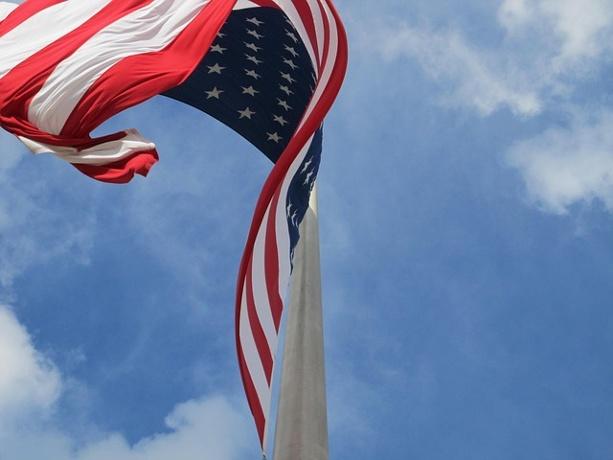 Veteran Arrested For Hanging US Flag Upside Down