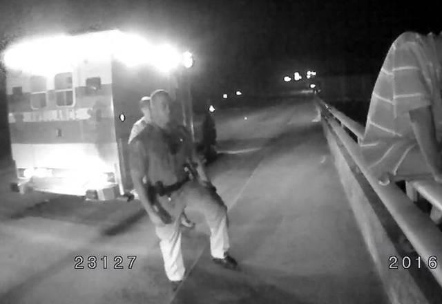 Police Officer Talks Suicidal Man Off Bridge With Redskin Football