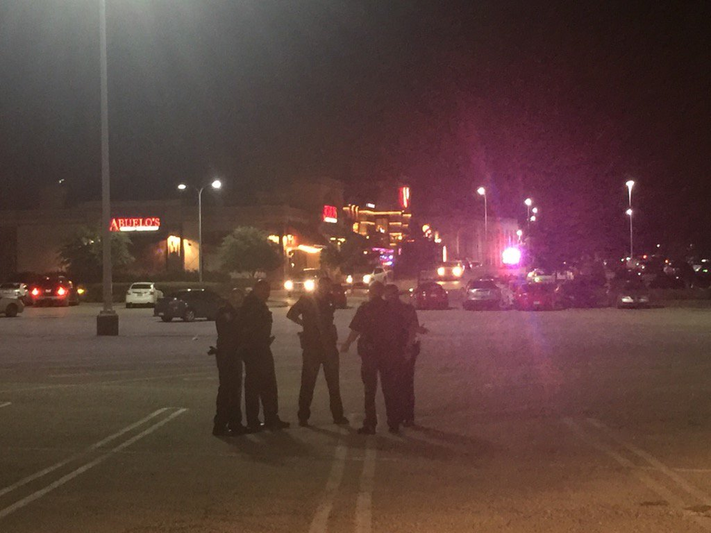 Police Respond To Multiple Disturbances At Malls Across America