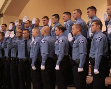 recruit-grad-830×467