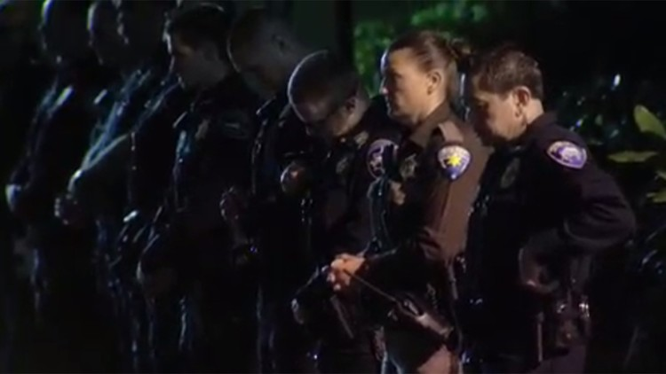 Police Line Up Outside Tacoma Hospital After Officer Dies