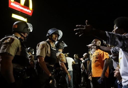 4th Night of Ferguson Protests Brings Confrontation, Arrests