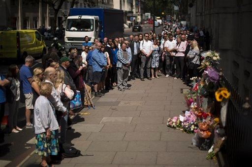Britons Mark 10th Anniversary of London Bombings