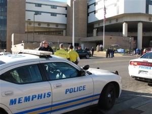 Police Say 1 Officer Fatally Shot, 1 Hurt in Memphis