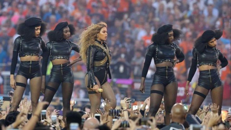 Beyonce Brings Mothers Of Suspects Shot By Police To VMA Show