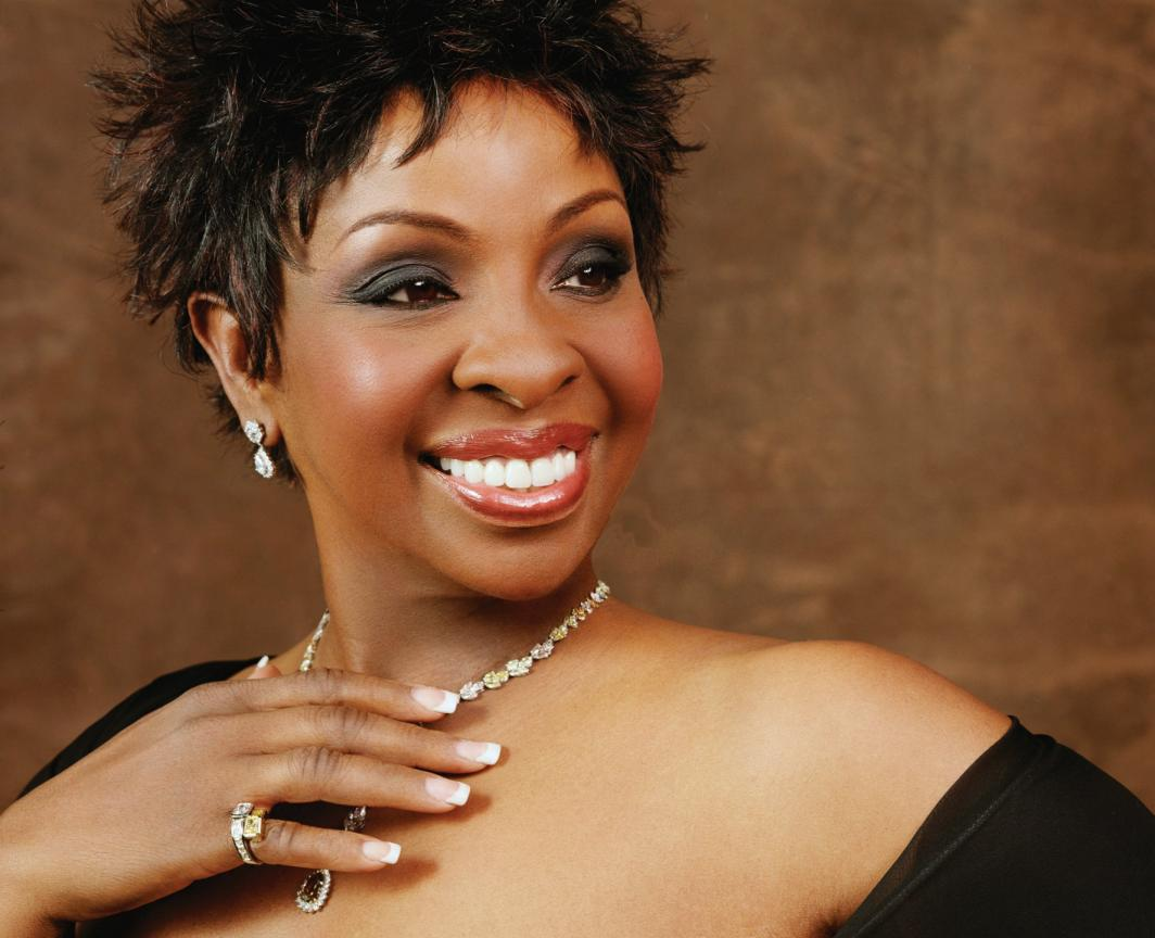 Gladys Knight sings 'Happy Birthday' to Officer