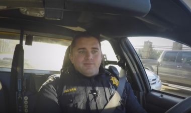 Police Officer Makes A Difference For An Addicted Homeless Man