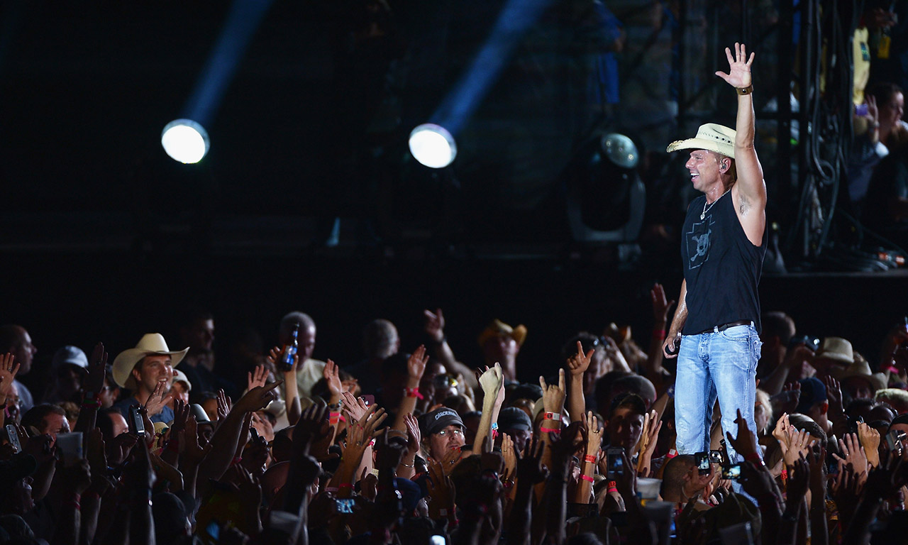 Kenny Chesney Has Apologized To Officer He Said Was Dead In Concert