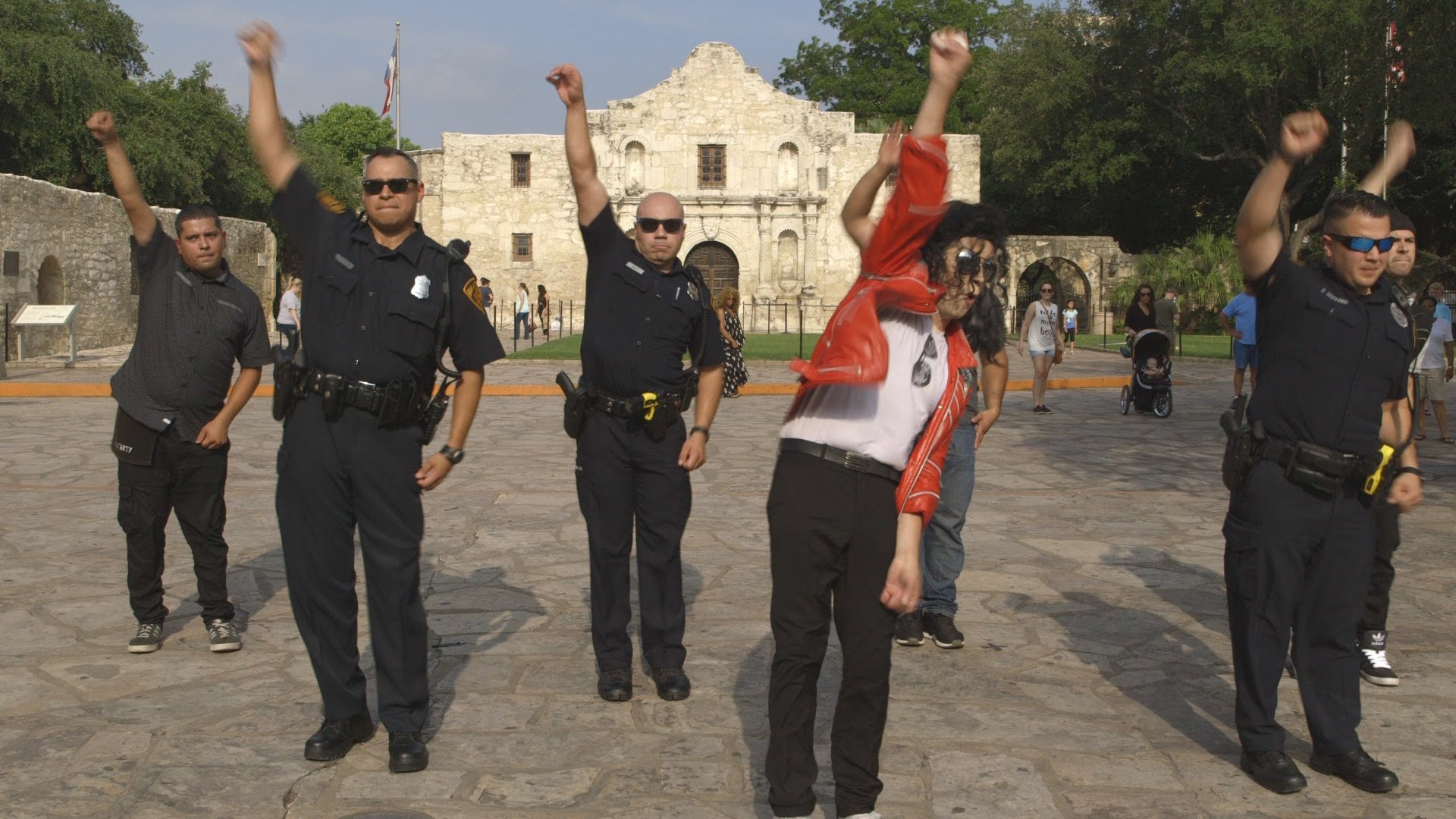 San Antonio PD Running Man Challenge: 'Never Drop A Taco'
