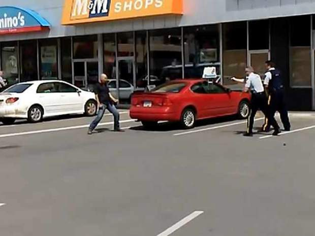 Video: RCMP Trying To Subdue Hatchet-Wielding Man With Taser