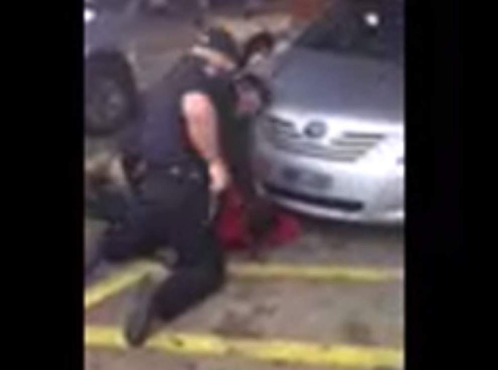 Justice Department: No Charges On Baton Rouge Officers For Alton Sterling Shooting