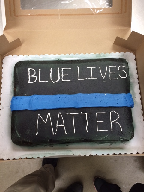 Walmart Bakers Refuse To Make Police Retirement Cake