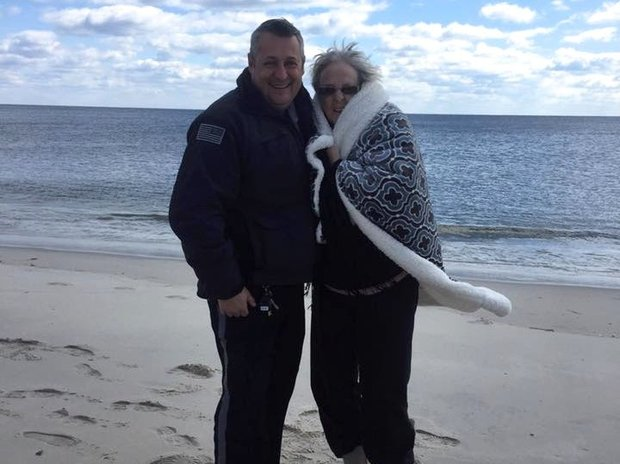 Police Officer Fulfills Woman's Dying Wish