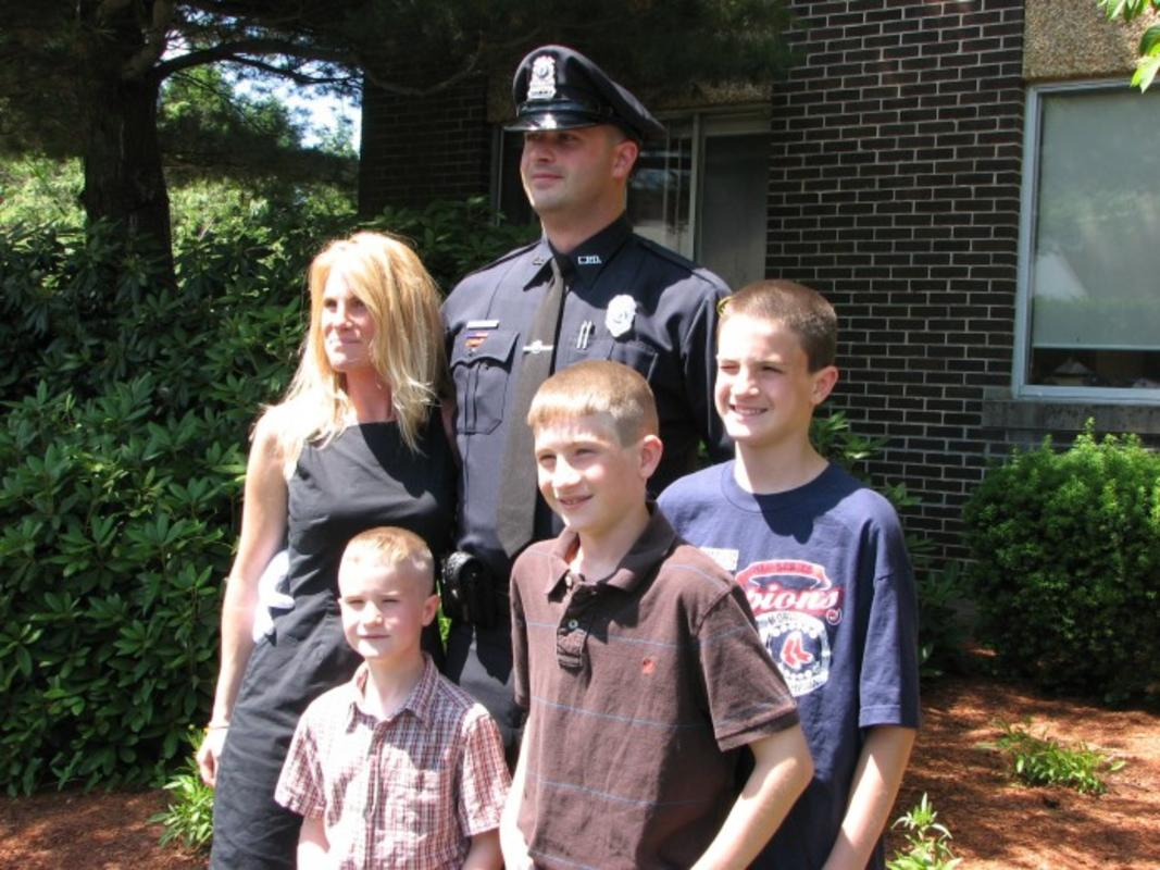 Tom Brady Helps Family Of Fallen Police Officer