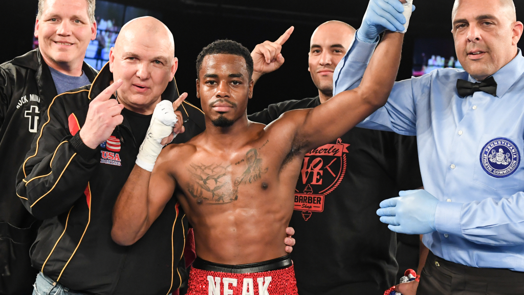 Philadelphia Police Officer Remains Undefeated As Pro Fighter
