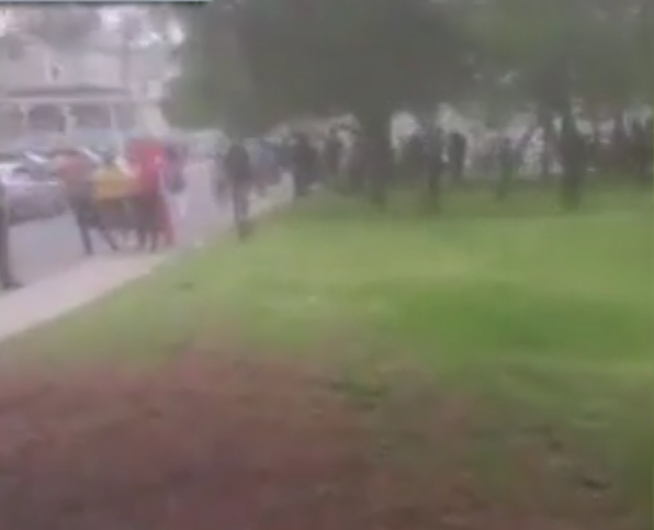 Cops Surrounded And Assaulted While Attempting Arrest
