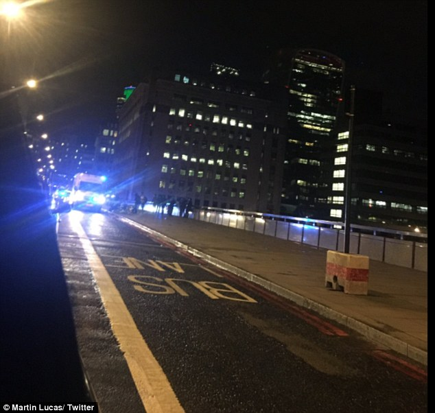 'Van plowed into pedestrians' on London Bridge in 'major incident'