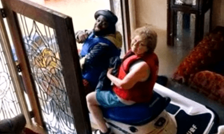 """Elderly Couple Rescued After They Ordered """"Burritos and a Boat"""" From Chick-Fil-A"""