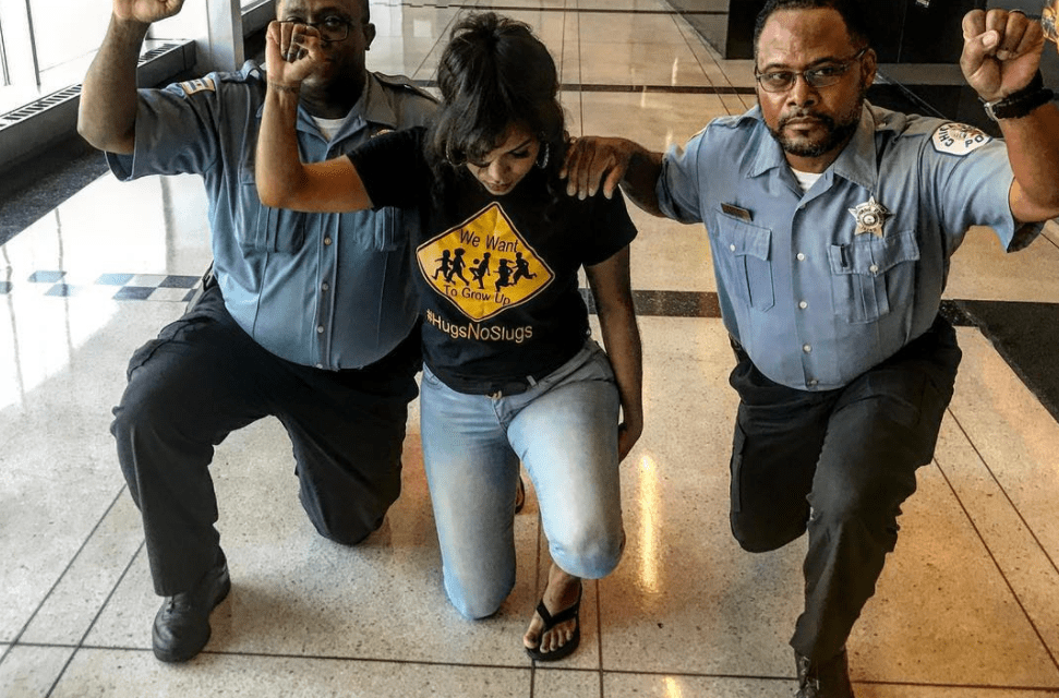 Chicago Police Officers Who Kneeled In Protest Reprimanded
