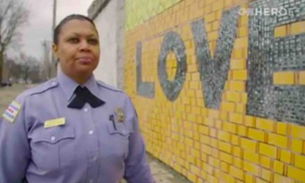 Chicago Police Officer Receives 'Heroes of the Year' Award