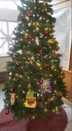 A Cop's Response To The 'Racist' Christmas Tree