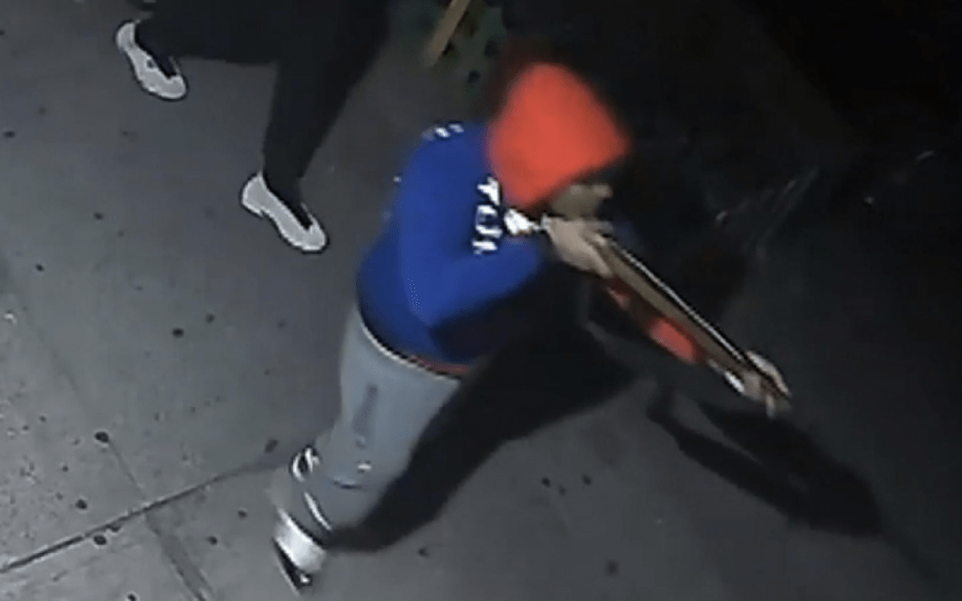 VIDEO: Jammed weapon not enough to save life of man walking dog